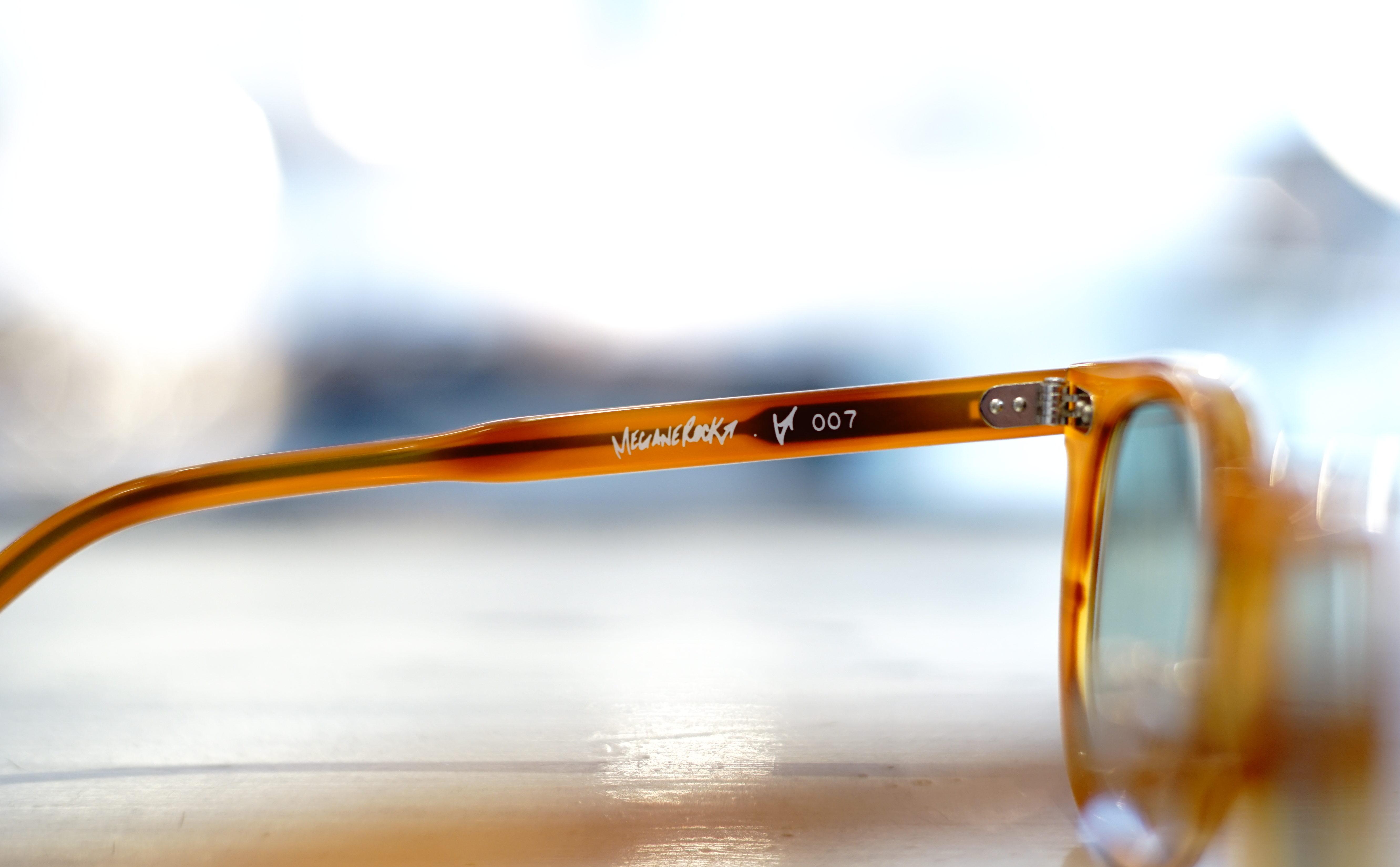 VECTOR-007 c.CARAMEL